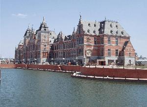 Abb. 20: Kopie des Hauptbahnhofs von Amsterdam in Shenyang.