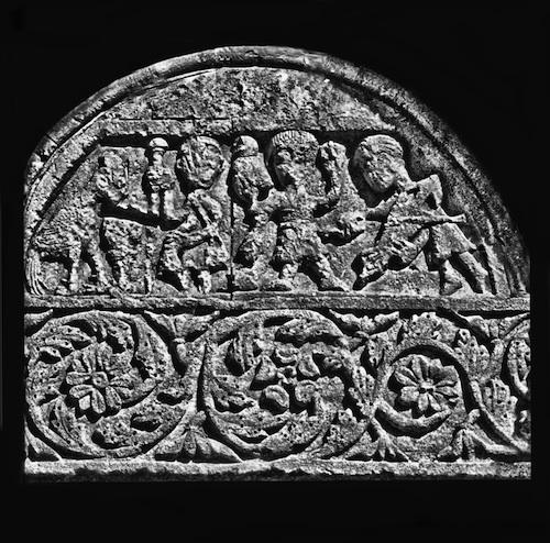 Tympan de l'église romane Sainte Jalle (Warin).