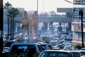 Photo 1 : Marcos Ramírez Erre, « Toy-an Horse » (1997). Installation ©Francisco Javier Galaviz.