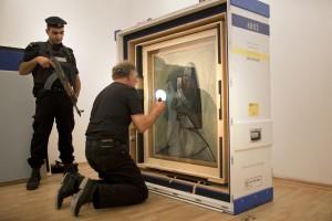 Photo 3 : Picasso in Palestine : l'arrivée de « Buste de Femme » à Ramallah, © Sander Buyck.