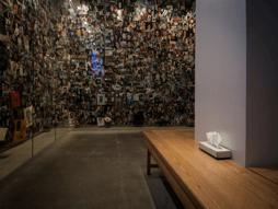 Figure 4 : Salle du 9/11 Tribute Center consacrée aux victimes du 11-Septembre, mai 2013. Source : © David Guadarrama Ortega.