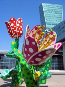 euralille - Tour de Lille et Tulipes de Y. Kusama. ph redim